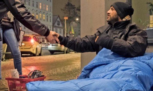Kälteeinbruch: Wie kann ich Obdachlosen helfen?