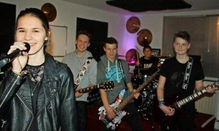Punkband statt Schulchor: Junge Band probt für Battle