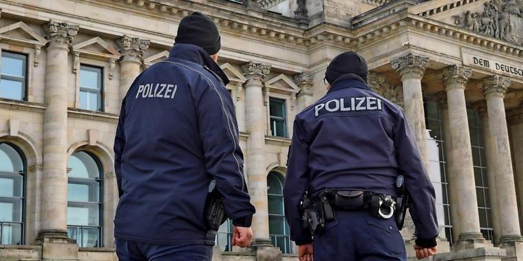 Berliner Polizei startet Dating-Aufruf bei Instagram