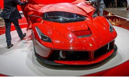 Ferrari-Fahrer tankt ohne zu bezahlen – weil er pleite ist