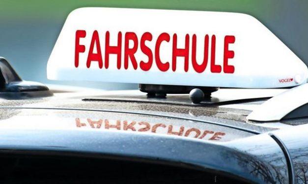 Immer mehr Menschen fallen durch die praktische Führerscheinprüfung