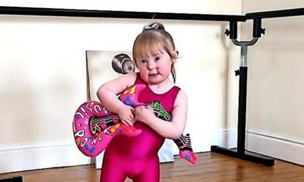 #wouldntchangeathing: Menschen mit Down-Syndrom feiern das Leben mit Queen-Song