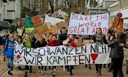 Schüler für mehr Klimaschutz: Lauter Protest in Eutin