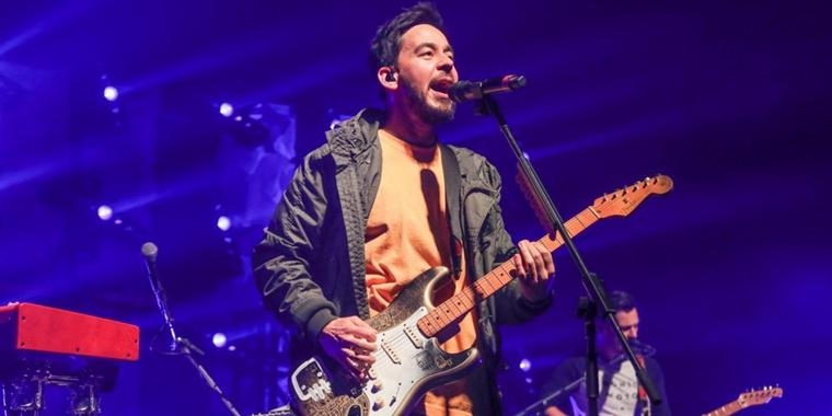 """Post Traumatic""-Tour: So war Linkin-Park-Frontmann Mike Shinoda in der Swiss Life Hall"