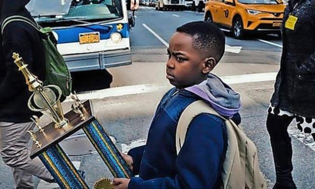 Wie ein achtjähriger obdachloser Junge Schachmeister in New York wurde