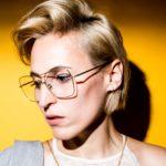 """Vielseitig mit Tiefgang: So ist das Album """"Klebstoff"""" von Mine"""