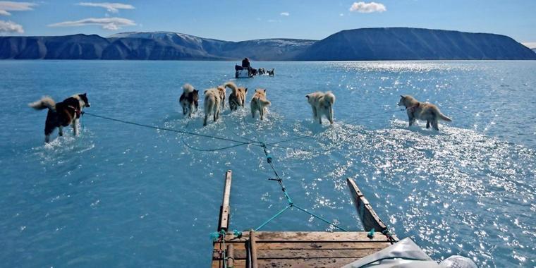 Hohe Temperaturen: Meereis in Grönland schmilzt rasant
