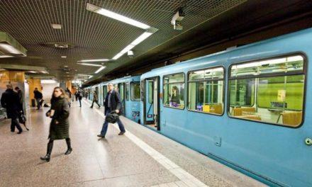 """""""Rassistischer Mist"""": Plakat in Frankfurter U-Bahn löst Empörung aus"""