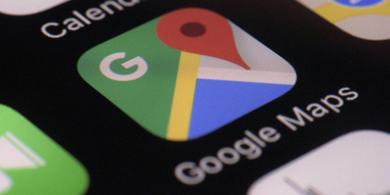 Google Maps schlägt Abkürzung vor – und 100 Autofahrer bleiben auf matschigem Feldweg stecken