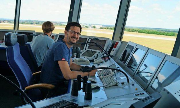 Ausbildung zum Fluglotsen: So spannend ist der Job von Tom Groß