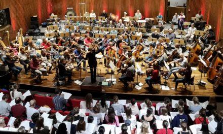 Opernprobe: Turnschuhe und T-Shirt statt Frack und Fliege