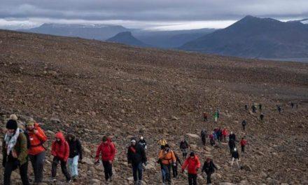 Island beerdigt seinen ersten abgeschmolzenen Gletscher
