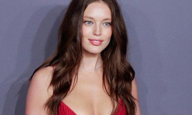 Ehemaliges Victoria Secret Model nimmt 15 Kilo zu und bekommt mehr Aufträge