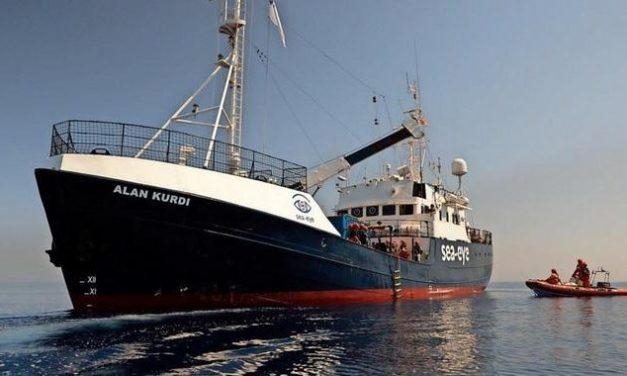 Zwei Schiffe mit mehr als 160 Migranten warten auf sicheren Hafen
