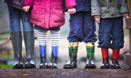 Homosexuelles Paar adoptiert sechs Geschwister – damit sie nicht getrennt werden