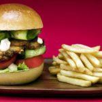Chickenburger ausverkauft – Jugendlicher zieht Waffe