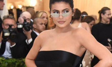 """Kylie Jenner: Milliardärin zieht sich für den """"Playboy"""" aus"""