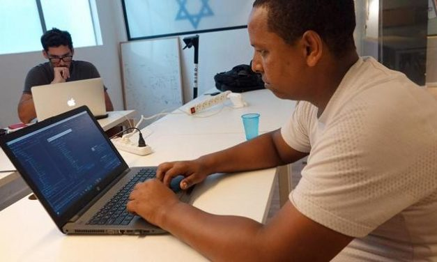 Programmierkurse für Flüchtlinge: Coden für eine bessere Zukunft