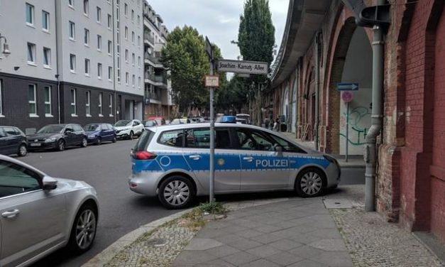 Streifenwagen zum Pizzaholen auf Gehweg geparkt – Polizist muss Bußgeld zahlen