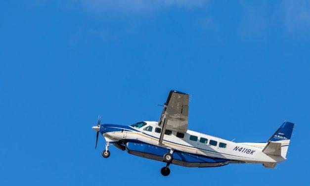 Lehrer wird bewusstlos, Flugschüler muss in erster Flugstunde allein landen