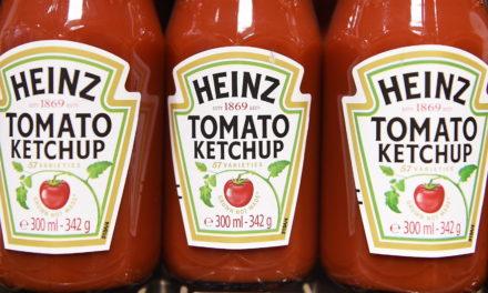 Rätsel gelöst: Mit diesem Trick läuft der Ketchup ganz einfach aus der Flasche