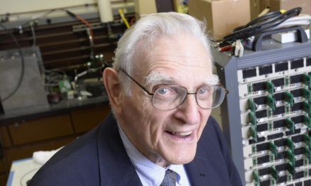 Ältester Nobelpreisträger (97) forscht weiter an der Superbatterie