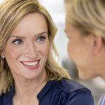 Studie: Warum Blickkontakt beim Reden so schwer ist