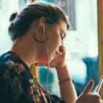 Comedy, Finanzen oder Dating: Diese Podcasts solltet ihr gehört haben