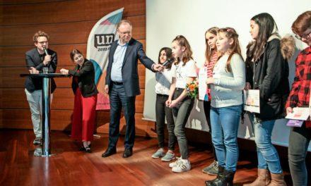 Ministerpräsident lobt Engagement von Schülerzeitungen