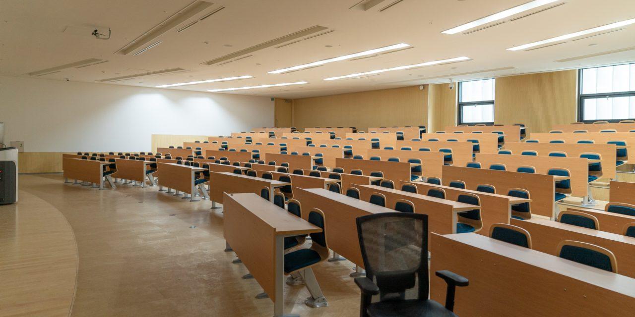 Erste Hochschule in Deutschland schließt wegen Coronavirus  –  Bayern und Berlin verschieben Semesterstart