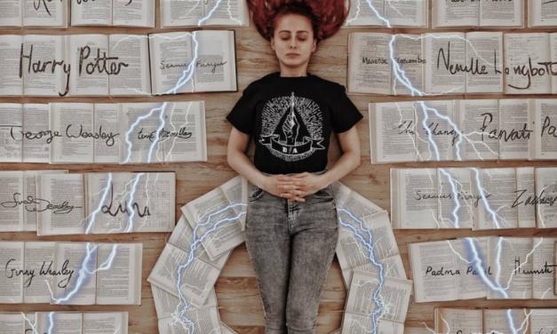 So bunt sind die Bücherregale auf @elizabeth_sagans Instagram-Account