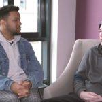 Leeroy will's wissen: Dieser Youtuber stellt unangenehme Fragen