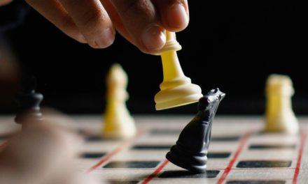 """""""Das Damengambit"""": Wie realistisch ist die Schach-Serie?"""