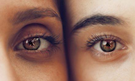 Neuer Trend: TikTok-Influencer malen sich künstliche Augenringe