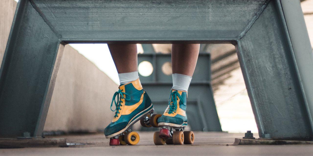 Sportarten für den Frühling: Jamskating, Rope-Skipping, Yoga und Co.