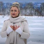 Sophia Thiel ist zurück – und geht zur Entspannung eisbaden