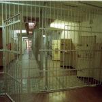 Tod im Stasi-Knast – Rostocker Lehrer schreibt Buch über dunkles DDR-Kapitel