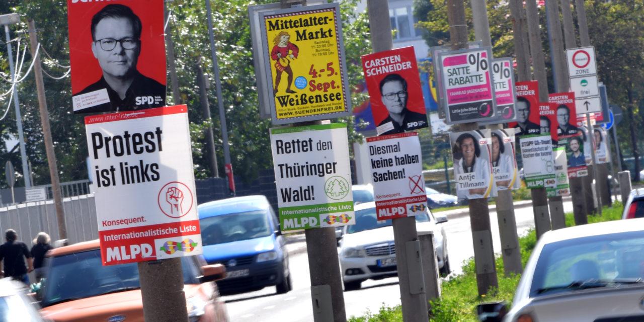 Bundestagswahl: Youtuber Dave hängt gefälschte Wahlplakate auf